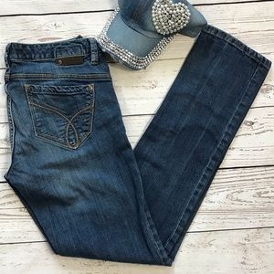 Calvin Klein Straight Low-Rise Body Skinny Jeans
